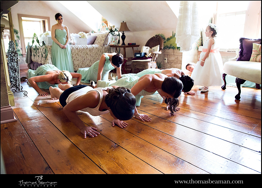 bride-exercising-before-wedding-photo